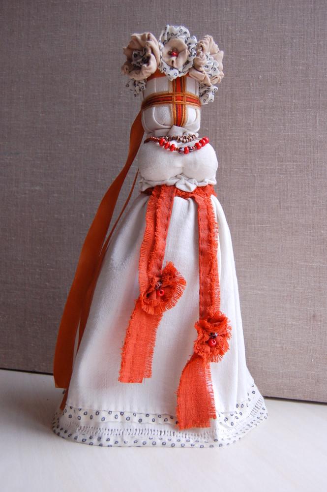 У Львові встановили найбільшу ляльку-мотанку