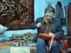 Дзвінчук Тарас Григорович, виготовляє постоли