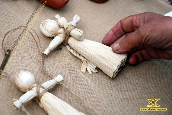 Кукурудзяні ляльки з торішнього врожаю