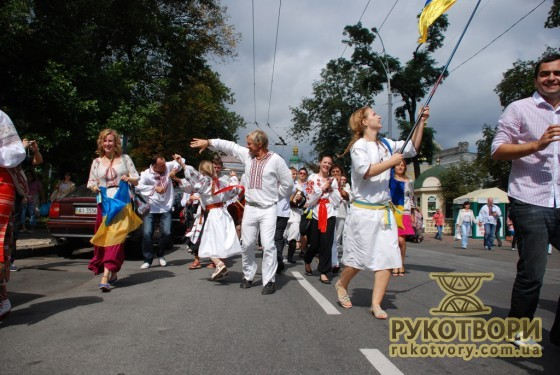 Олег Скрипка і Парад вишиванок