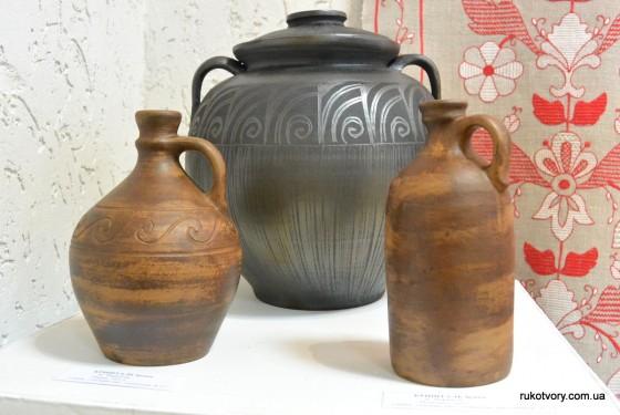 Кришталь Ірина, м.Чернігів (дві пляшки) та Кусик Володимир, м.Луцьк (горщик)