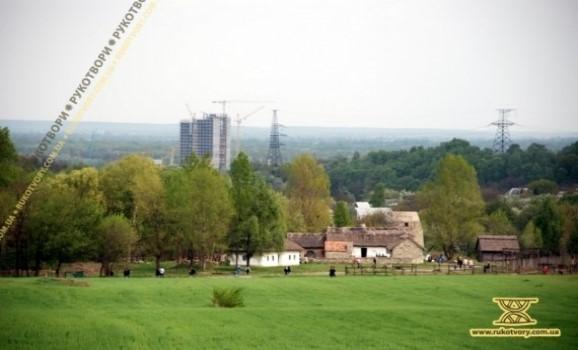 Від Музею народної архітектури в Києві відрізали 20 гектарів