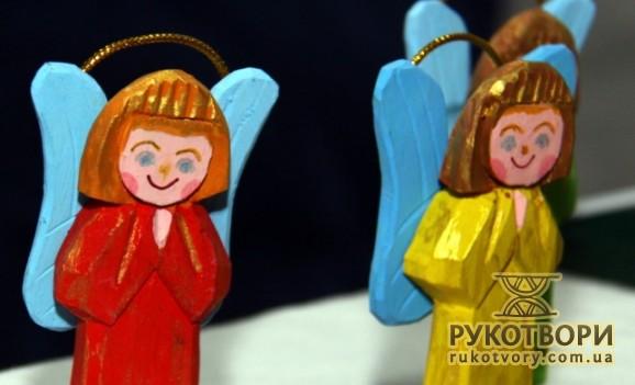 Різдвяні ангелики народних майстрів