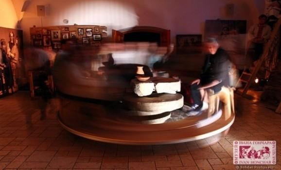Нічна імпреза в Музеї Івана Гончара «Жорна»