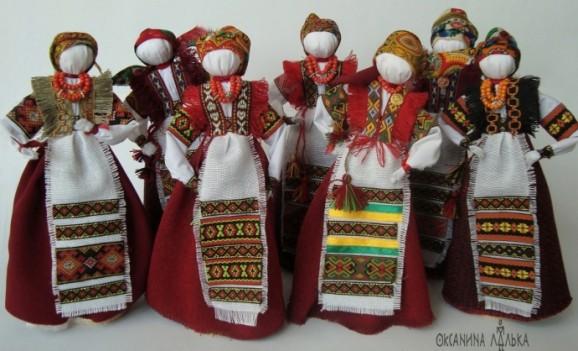 Виставка авторських ляльок Оксани Смереки-Малик на Волині