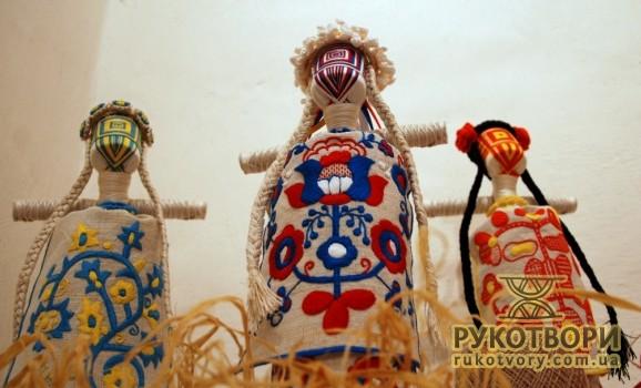 У Києві презентували євро-ляльки 2012 з українським колоритом