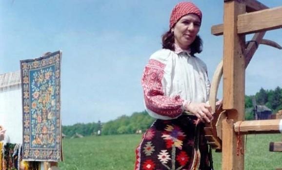 День ткалі та вишивальниці у Пирогові