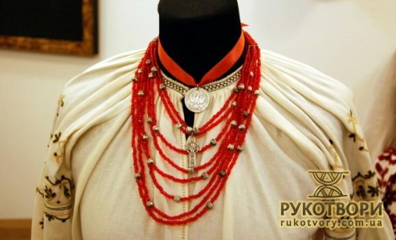 Турецький Музей костюмів отримав подарунок з України