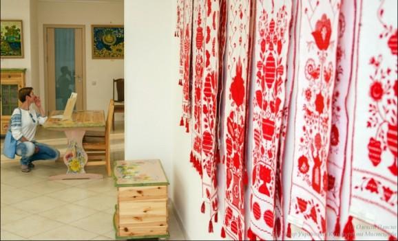 Виставка творів декоративно-прикладного мистецтва «Обухівські майстрині-ювілярки»