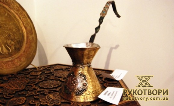 Мистецтво кримських татар з інтер'єрів київських колекціонерів