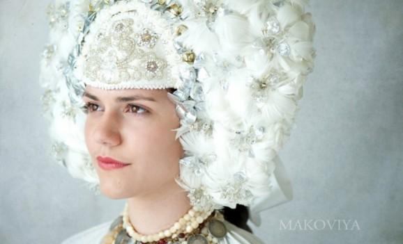 Відтворений вінок з гусячого пір'я як прояв українського генетичного спадку