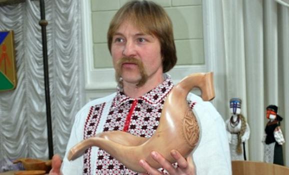 Різьбяр із Сумщини отримав відзнаку від Порошенка