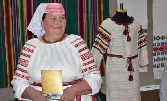 Волинський краєзнавчий музей запрошує на виставку тканих творів Ольги Гайдучик