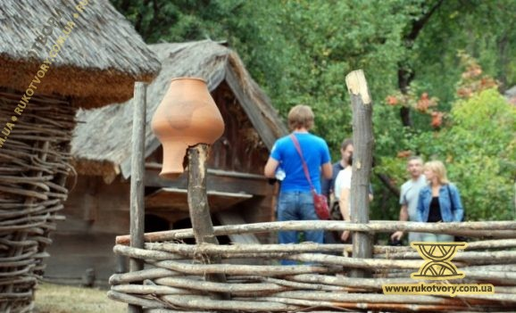 Музей в Пирогові реставрує... Ахметов