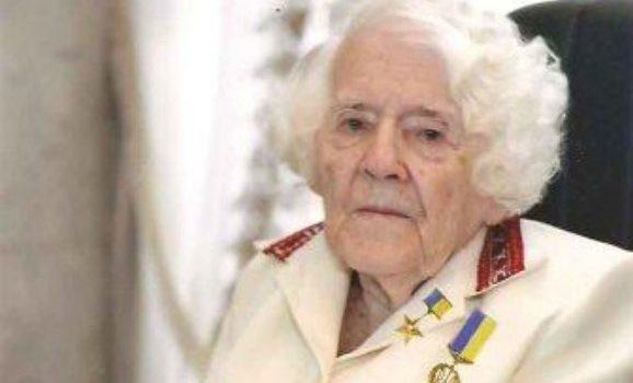 Померла найвідоміша українська вишивальниця