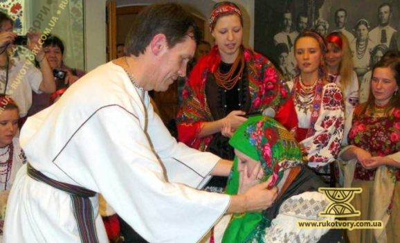 Майстер-клас «Традиційні головні убори українських жінок»