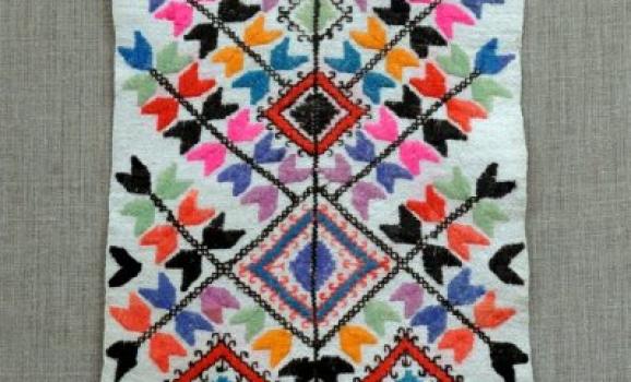 Найкращі зразки народної вишивки до вересня можна побачити в Музеї Гончара