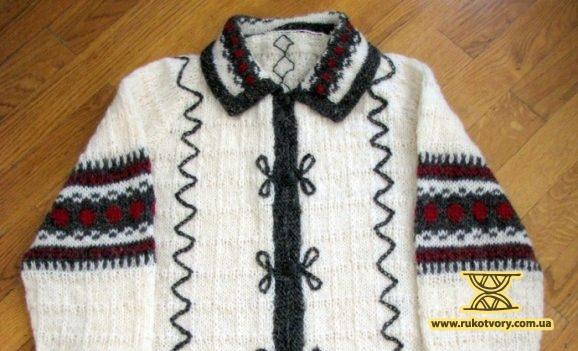 Olena Dziyadevych: I don't stitch the ornaments, I knit them