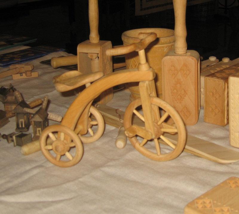 4e9d478ef01cdc Вироби Сергія Святного, дерев'яні іграшки ...