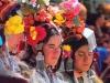 Жінки дрок-па у святковому вбранні