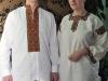 Галина та її брат Михайло у сорочках діда та баби