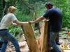 Деревину беруть руками
