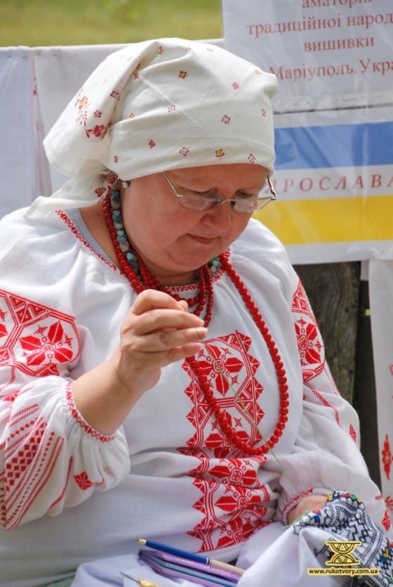 Майстриня-вишивальниця Олена Упір, м.Маріуполь