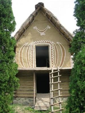 У таких житлах жили праукраїнці?!?