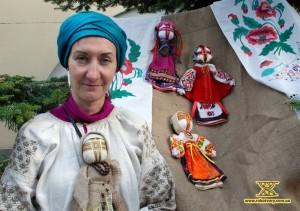 Natalia Svyrydyuk, a doll-maker