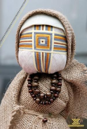 One of Natalia Svyrydyuk's knot dolls