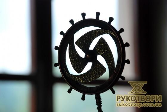 Фрагмент скульптури Олександра Ковальчука