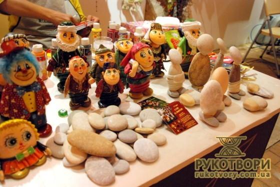 Ляльки з каміння