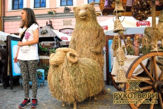 Плетіння з сіна