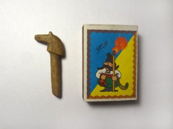 Коник. Кістка. Навершя руків'я ножа, 18 ст. (узбережжя р.Дніпро, урочище Ґлеї, с. Червона Слобода, Черкаський р-н)