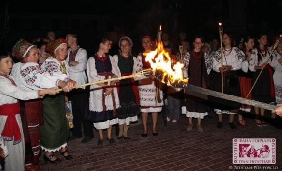 Обрядодійство «Весілля свічки» в Музеї Івана Гончара