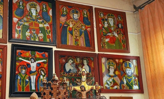 У Львові представлять найбільшу колекцію гуцульських ікон на склі