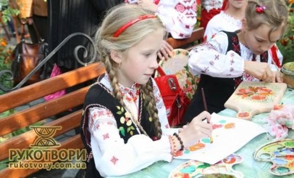 Виставка дитячого Петриківського розпису у Києві