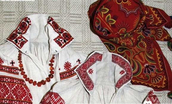 Виставка «Традиційне народне вбрання Західного Полісся» з приватних колекцій