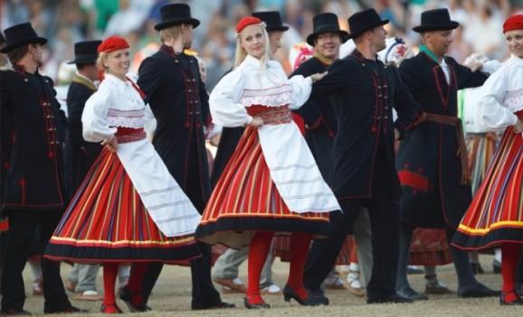 Виставка «Національний одяг естонців»