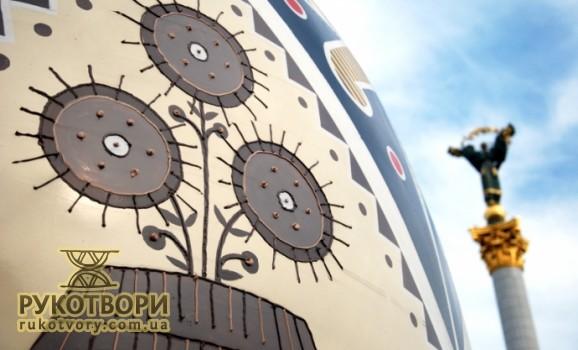 Гігантські писанки 24 серпня везтимуть по центру Києва