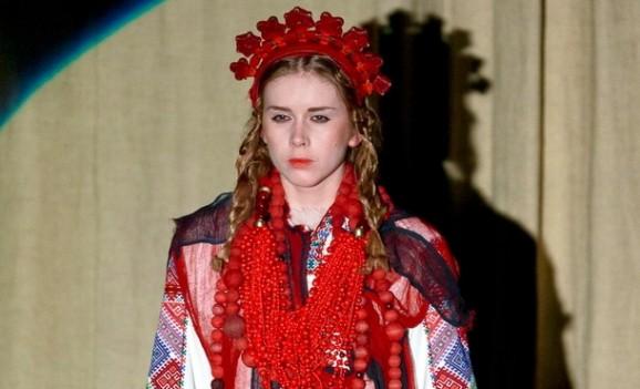 Осучаснене етнічне вбрання від Зінаїди Ліхачової на Lviv Fashion Week