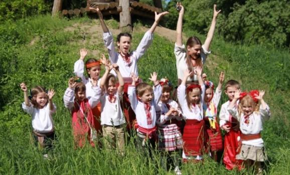 Свято дитячої творчості «Сонячний каштанчик» у Пирогові