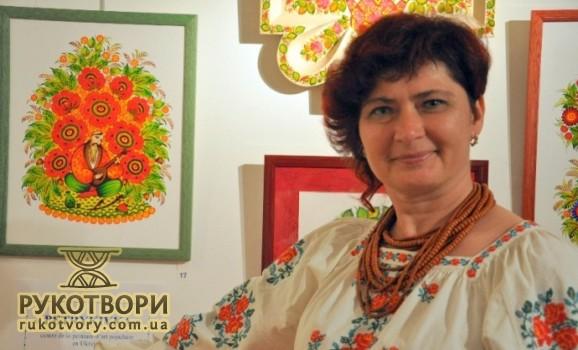 Майстриню з Петриківки прийняли до французької асоціації художників