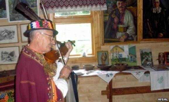 На Верховинщині помер гуцульський музикант-віртуоз Роман Кумлик