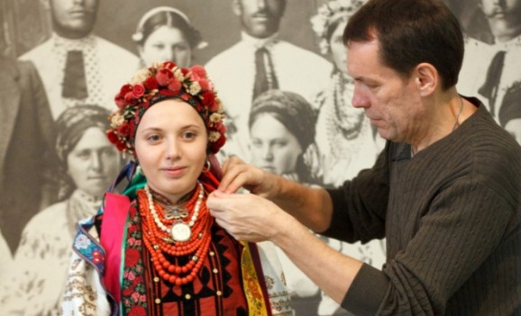 Традиційний жіночий одяг. Полтавщина (ВИДИВО)