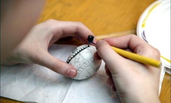 Музей Івана Гончара запрошує на майстер-класи з писанкарства