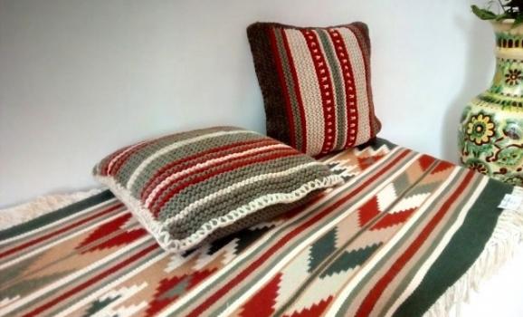 Художниця з Криму відроджує гуцульські килими