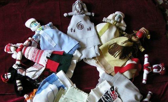 Майстер-класи з ляльки-мотанки та кольоротворення