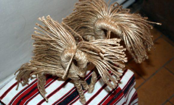 Солома, лляна нитка, лушпиння та лоза