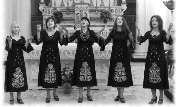 """Ансамбль """"Укранія"""" з програмою до різдвяних свят"""